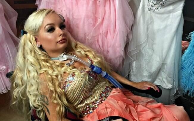 Jasmin Britney é tetraplégica desde os nove anos