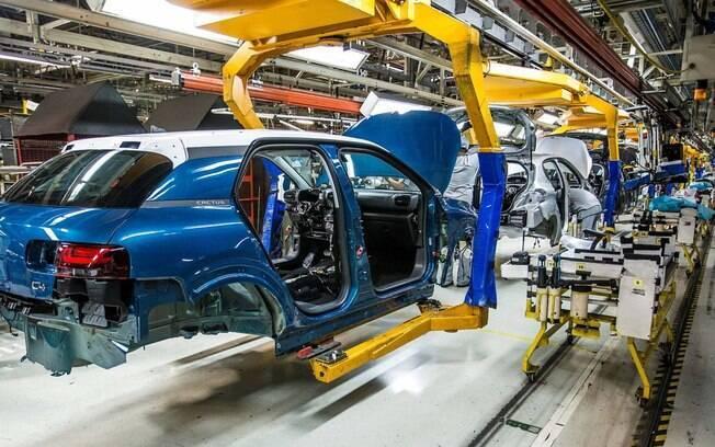 Citroën C4 Cactus já começa a ter as primeiras unidades saindo da linha de montagem em Porto Real (RJ)