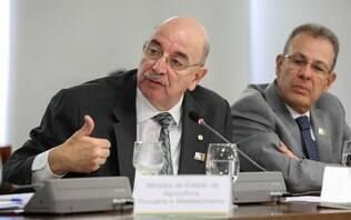 Ministro ataca Fiocruz e diz não confiar em estudo sobre drogas pago pela União