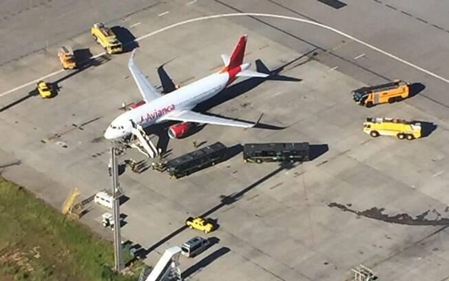 Avião da Avianca teve de fazer um pouso de emergência no aeroporto de Cumbica, em Guarulhos
