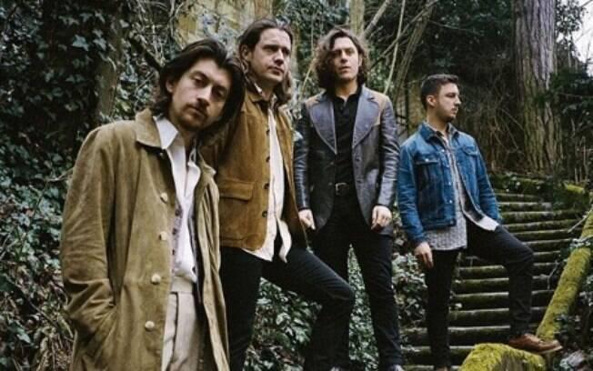 Arctic Monkeys continua a busca pelo novo em