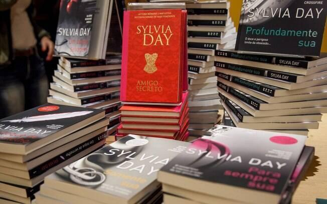 Livros da autora Sylvia Day, estrelado pelos personagens Eva e Gideon