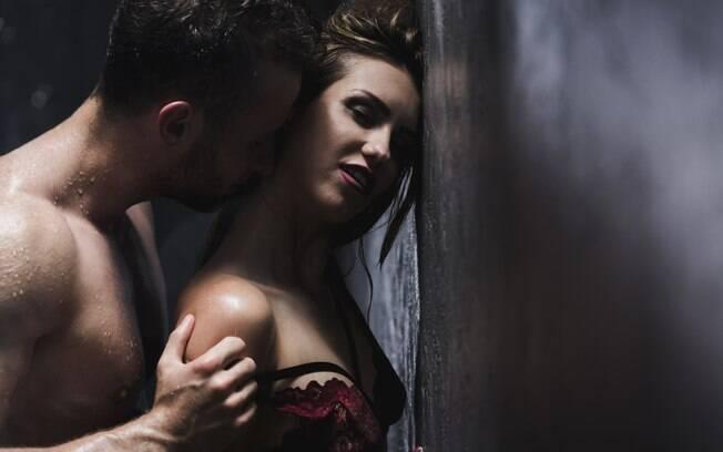 Para quem quer apimentar o relacionamento, variar a posição sexual na hora do sexo é uma boa opção