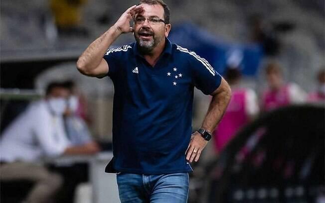 Enderson Moreira não é mais técnico do Cruzeiro