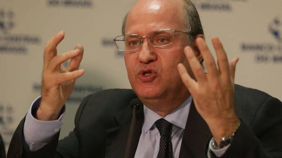Ex-presidente do BC disse que não falta dinheiro para Bolsa Família