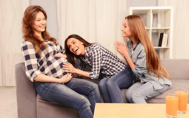 Após o exame para saber se o bebê é menino ou menina, os amigos precisam entender a reação da mãe,  já que é uma fase