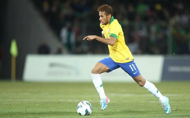 Neymar tenta provar seu papel de protagonista  na seleção brasileira