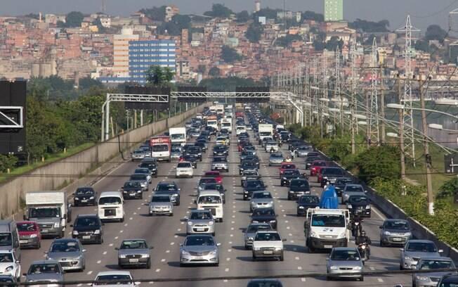 Aumento da velocidade nas marginais coincidiu com o aumento no número de acidentes nas vias, em São Paulo