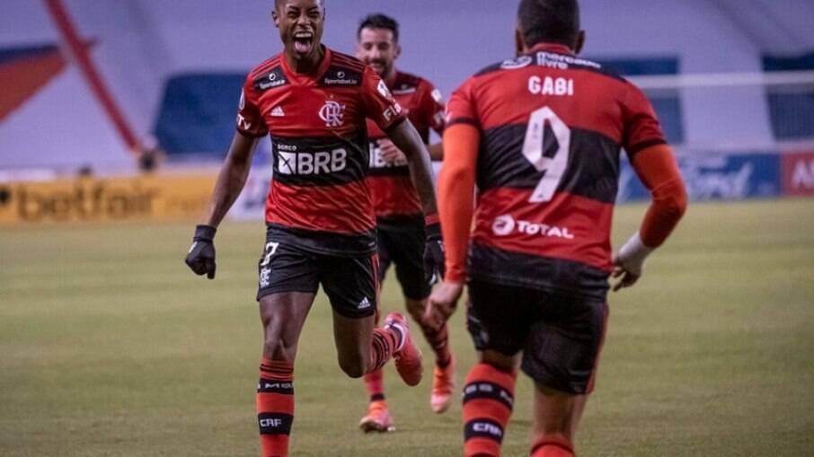 Sormani compara atual Flamengo com Santos de Pelé
