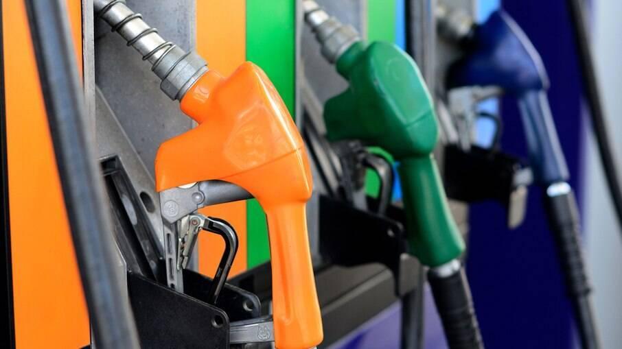 Gasolina fica mais cara e motoristas apelam para a clandestinidade