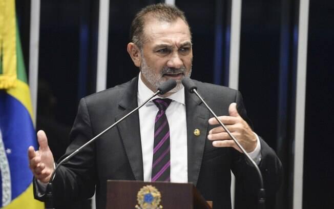 Telmário Mota (PDT) já havia anunciado que entraria com pedido de cassação do peemedebista