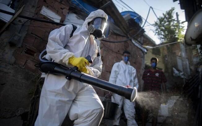 No mundo já são mais de 3,5 milhões de casos confirmados e mais de 250 mil mortes;