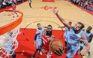 James Harden supera Kobe Bryant e atinge marca histórica na NBA