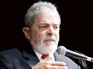Lula critica jornais e diz que
