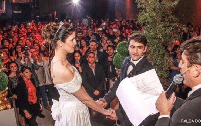 Cerca de 18 mil pessoas pedem novos eventos na página do Casamento Falso no Facebook; organizadores planejam dez festas no segundo semestre de 2015
