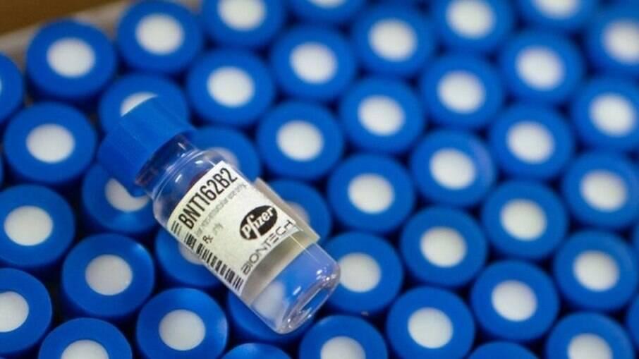 Pfizer disse que não vai repassar vacinas ao setor privado