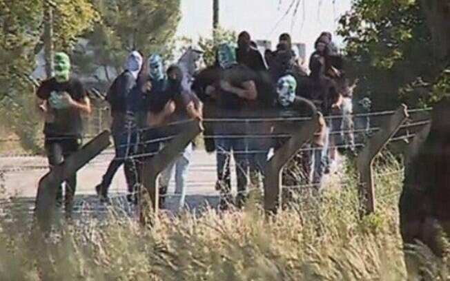 Torcedores do Sporting chegaram encapuzados e agrediram jogadores e outros membros do clube