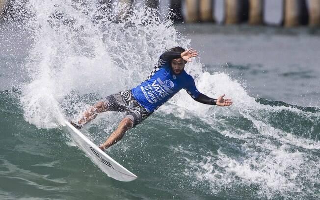 Tomas Hermes agora é o quarto colocado do ranking da divisão de acesso à elite do surfe