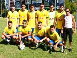 No torneio dos mais novos, vitória do Petrovila (Brasil), que venceu a Adin Contabilidade (Argentina) na final