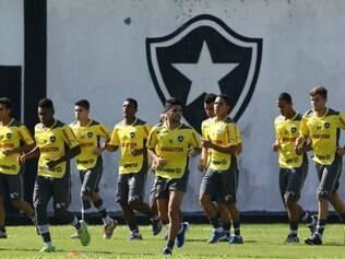 Preparação do Botafogo durante a pausa no calendário será feita no Rio de Janeiro