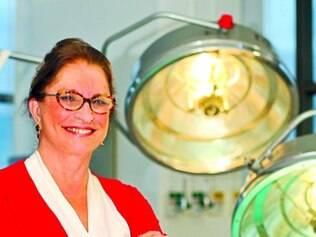 Experiência. A cirurgiã plástica Vânia Marília vê grandes avanços na maturidade