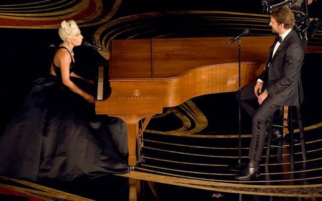 Bradley Cooper e Lady Gaga em apresentação no Oscar 2019
