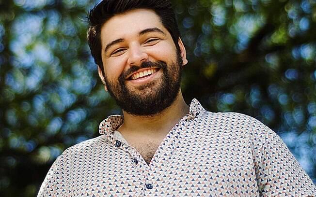 Ator da Globo faz sucesso com papel de homosseuxal na novela