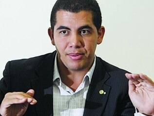 Agora secretário, Miguel Corrêa disse que não há ilegalidade