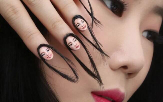 Sul-coreana Dani Yoon, que criou as selfies nas unhas, estudou em diferentes escolas de arte para alcançar a perfeição