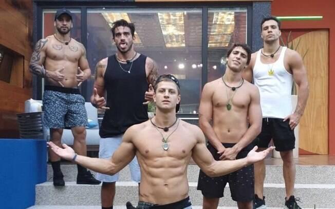 Grupo de homens no
