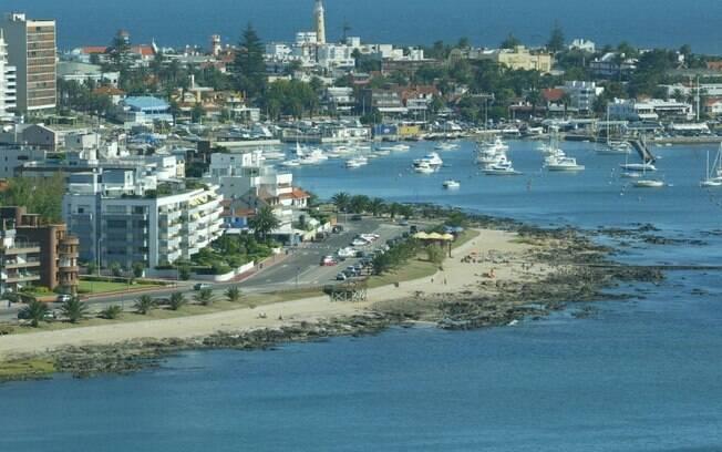Famosa pelo luxo, Punta del Este também pode ser aproveitada com pouco dinheiro
