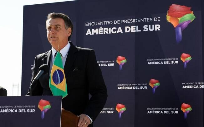 Bolsonaro afirmou que pretende conversar com Rodrigo Maia, para tentar trazê-lo de volta à articulação da Previdência