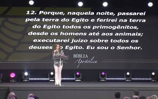 """O casal fundador da igreja Renascer Sônia e Estevam Hernandes,pediram uma """"oferta de sacrifício"""" durante o culto afim de evitar """"a praga"""""""