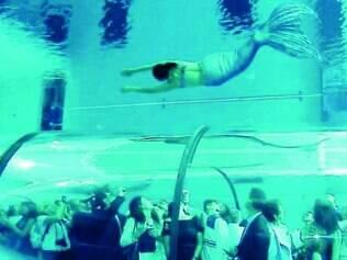 Entretenimento. Piscina é um grande atrativo, e hotel organiza eventos para mergulhadores profissionais e fotógrafos
