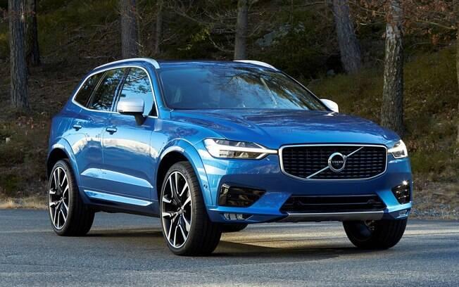 Quase um mini-XC90, a nova geração do Volvo XC60 ganha tecnologia semi-autônoma e design atualizado