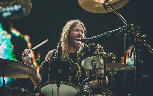 Taylor Hawkins dividiu os holofotes com Dave Grohl: teve solo de bateria, cover do Queen e música solo