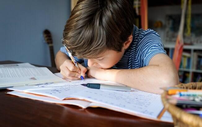 O diálogo entre pais e filhos é muito importante na volta às aulas.
