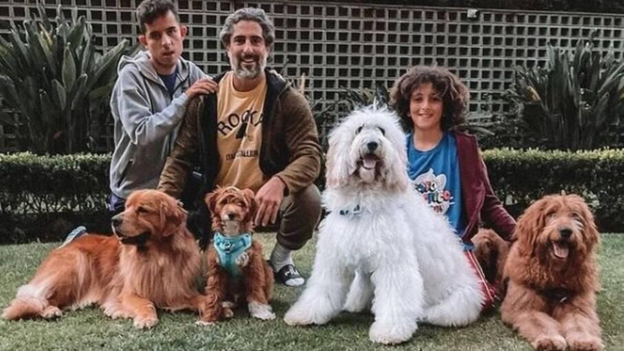 Marcos Mion: os cachorros do apresentador têm até perfil nas redes sociais