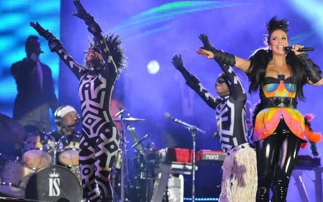 Ivete Sangalo dança em Barretos