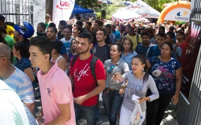 Portões são abertos para o Exame Nacional do Ensino Médio 2015, na Faculdade Estácio, no Recife. Foto: João Pedro/Futura Press - 24.10.15
