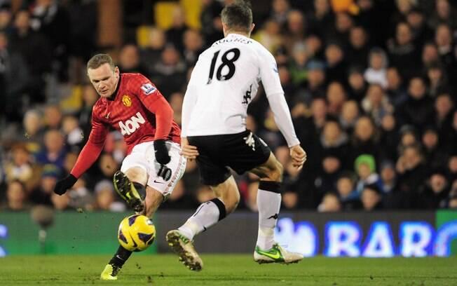 Na rodada seguinte, Rooney marcou o gol da  vitória sobre o Fulham. City tropeçou de novo, e  diferença atingiu os nove pontos