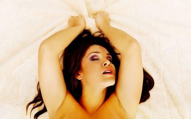 Uma combinação de práticas parece facilitar o orgasmo feminino, diz estudo