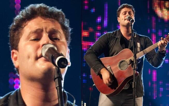 Pedro Dantas, filho do cantor Leonardo, durante apresentação.