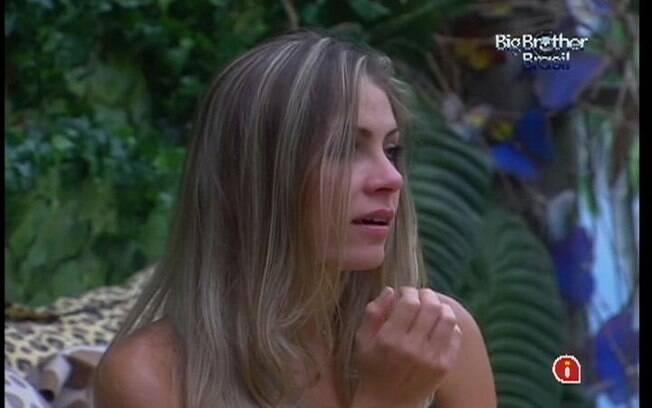 Renata comenta com sisters conversa que teve com Fael