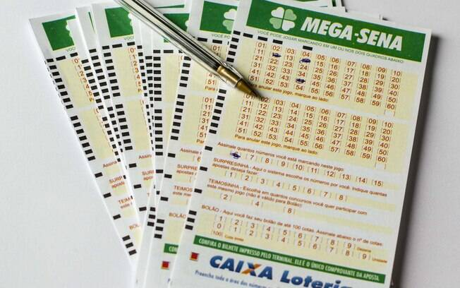 A aposta mínima na Mega-Sena custa R$ 3,50 e pode ser feita até as 19h deste sábado
