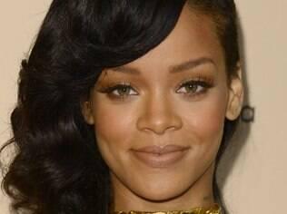 A cantora Rihanna vence ação contra Topshop