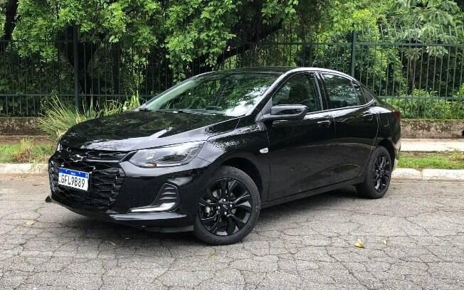 Chevrolet Onix Plus Midnight da linha 2021 chega com detalhes escurecidos como diferencial em relação às demais versões