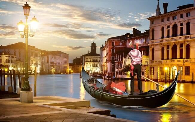 Quer passeio mais romântico do que uma volta em uma gôndola em Veneza