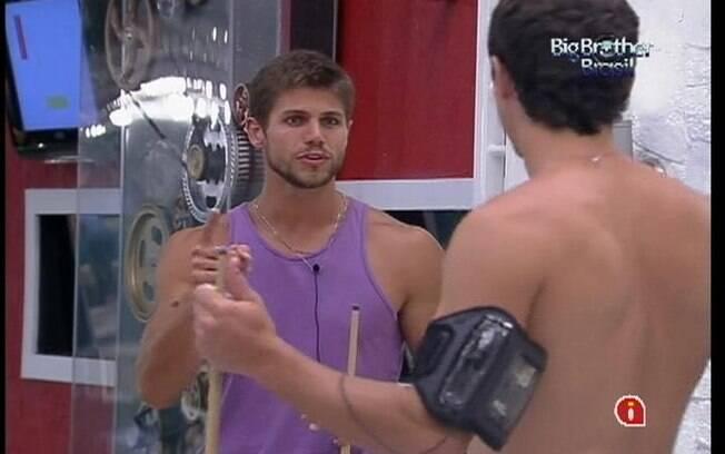 Jonas e Fael falam sobre a divisão da casa