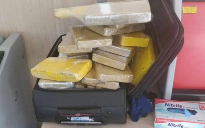Agentes se surpreenderam por droga não estar escondida